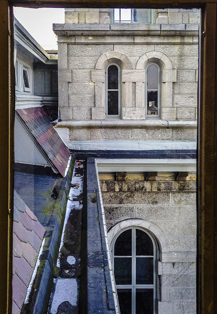 Hall of Languages Window Frame (Photo by Francis DiClemente)