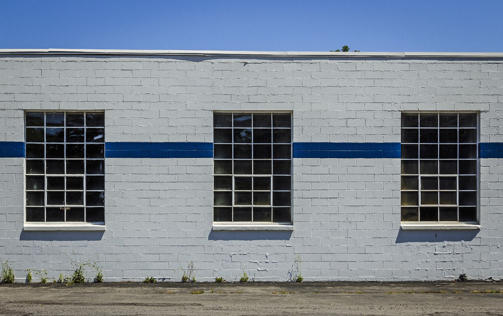 Fayetteville Auto Garage (photo by Francis DiClemente)