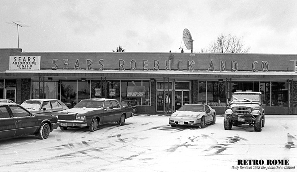 The Sears store in Rome in 1993. Photo by John Clifford/Daily Sentinel.